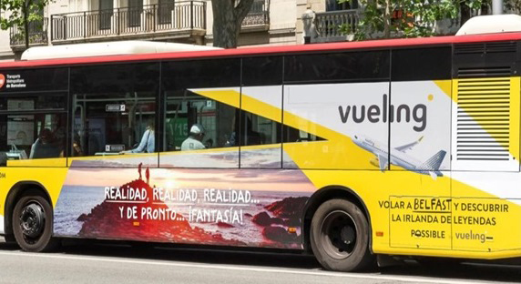 pic-1-BARCELONA-BUS-WRAPPED-IN-BELFAST.jpg