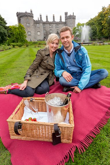 pic-500,000-NORWEGIANS-WATCH-REALITY-SHOW-COUPLE-ON-'DREAM-DATE'-IN-KILKENNY.jpg