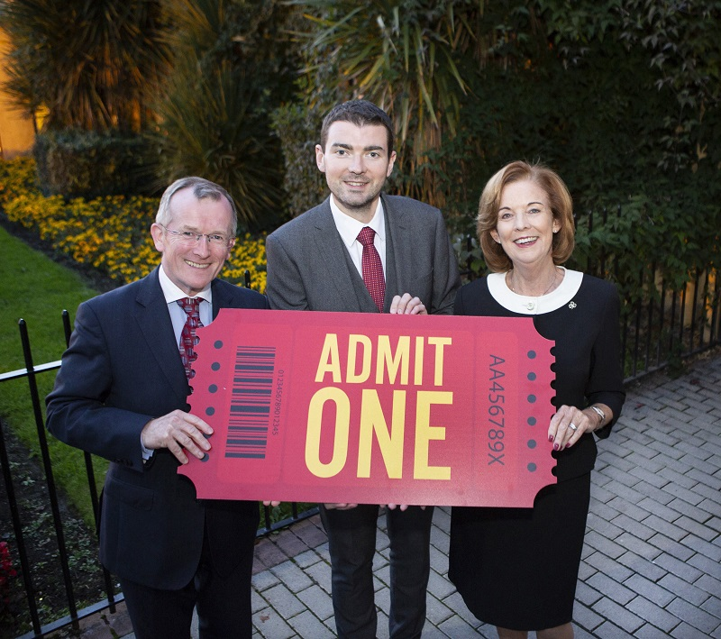 pic-1-TOURISM-MINISTER-BRENDAN-GRIFFIN-LAUNCHES-TOURISM-IRELAND'S-AUTUMN-CAMPAIGN-1.JPG