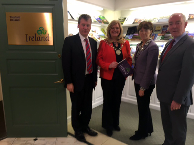 pic-1-OFFALY-DELEGATION-VISIT-TOURISM-IRELAND-IN-NEW-YORK.JPG